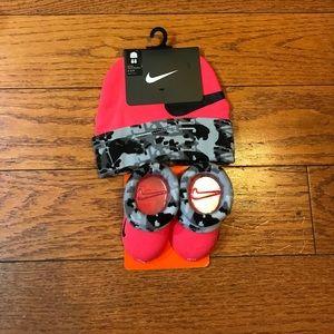 NWT Nike Infant Booties & Beanie